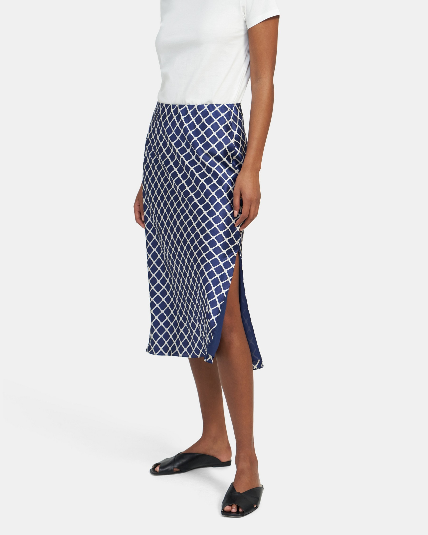 Theory Side Slit Skirt in Tile Printed Satin